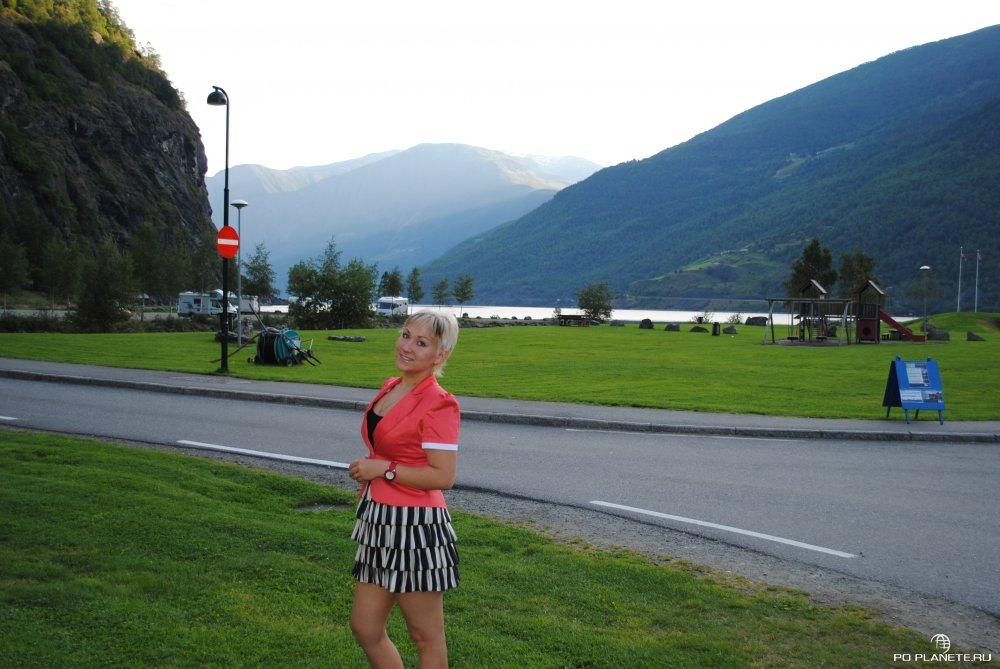 В Норвегии даже у дорог можно фотографироваться бесконечно