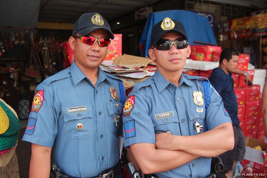 Крутые филиппинские полицейские