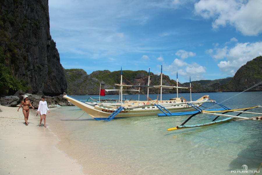 пляж на острове Tapuitan