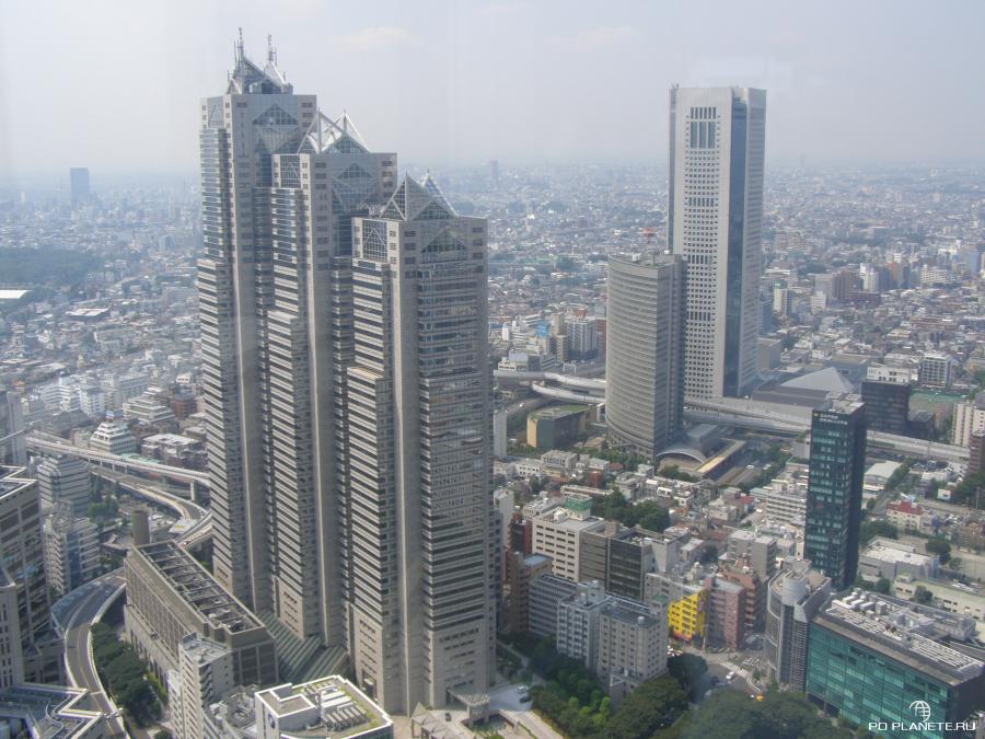 Вид на Токио со смотровой площадки здания муниципалитета