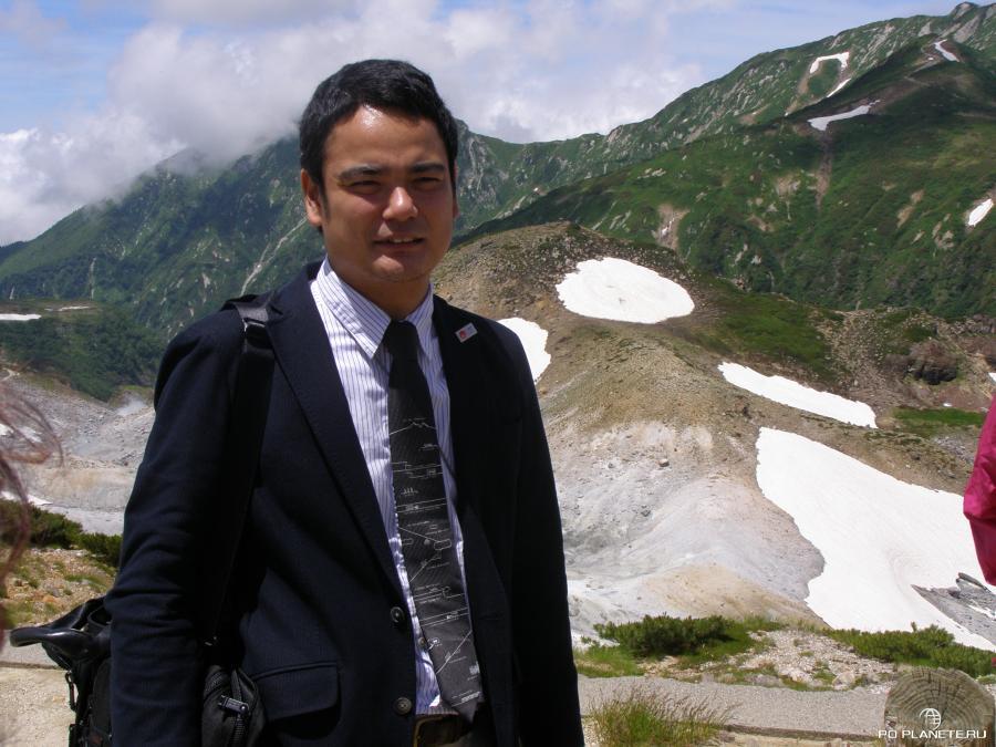 Представитель компании Tateyama-Kurobe Alpine Route Рёта Нисияма