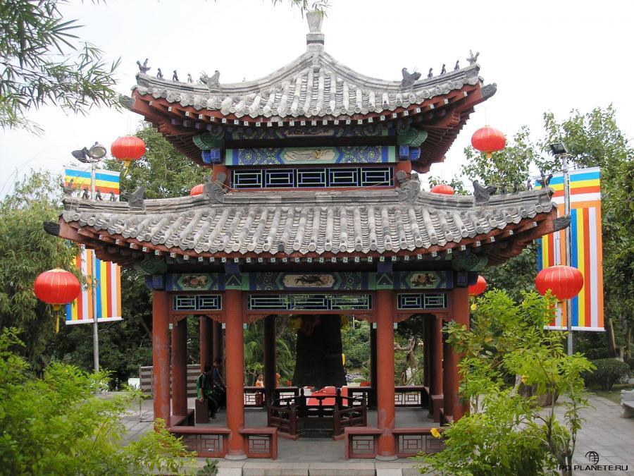 Пагода Счастья (Lucky Bell Pavillion)