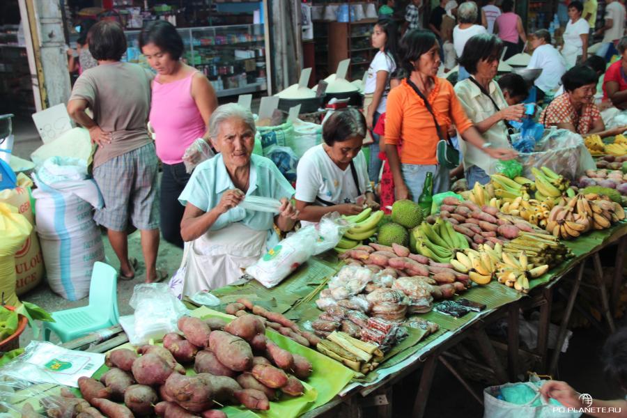 Рынок в одном из городков на острове Себу