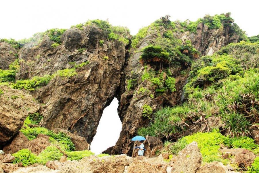 Скала Мифуга. Остров Кумэ