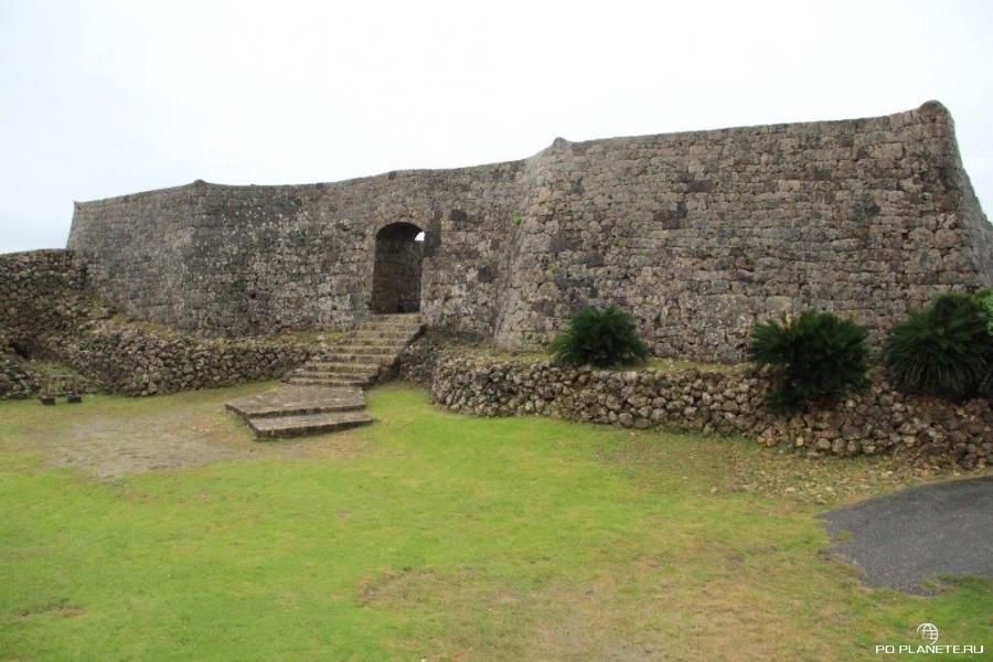 Замок Накагусуку